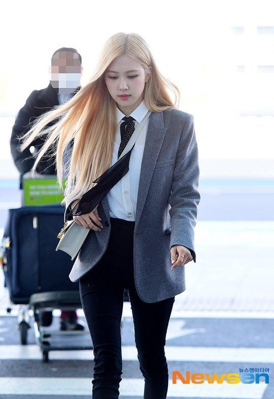 6-BLACKPINK-Rose-Airport-Outfit-blazer-to-Paris-26-January-2020