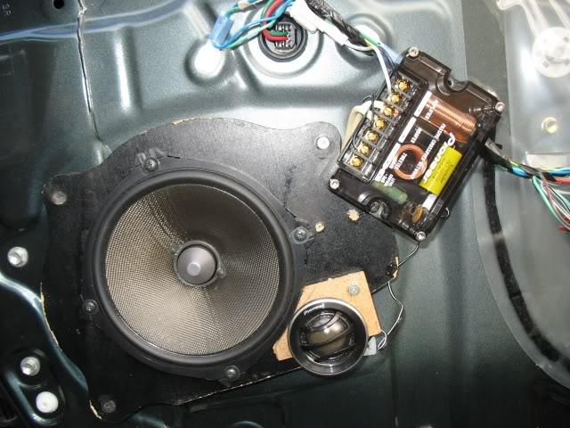 How to replace toyota camry speakers car audio diymobileaudio sub enclosures take a lot of trunk space plus i listen to classic rock so i decided not to install a sub sciox Choice Image