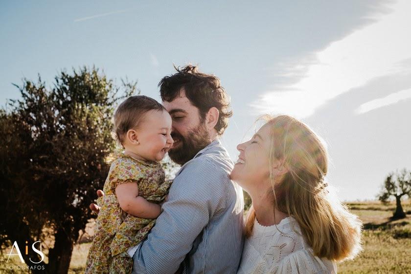 Sesión de fotos de bebé en el parque