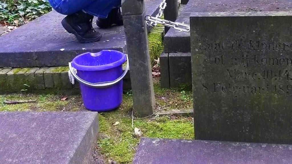 Bron: https://www.vrijwilligersprijzen.nl/initiatief/stichting-begraafplaats-fangmanweg-oosterbeek