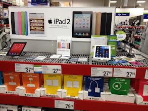 Photo: I really want a iPad... maybe for my Birthday... {anyone? anyone?}