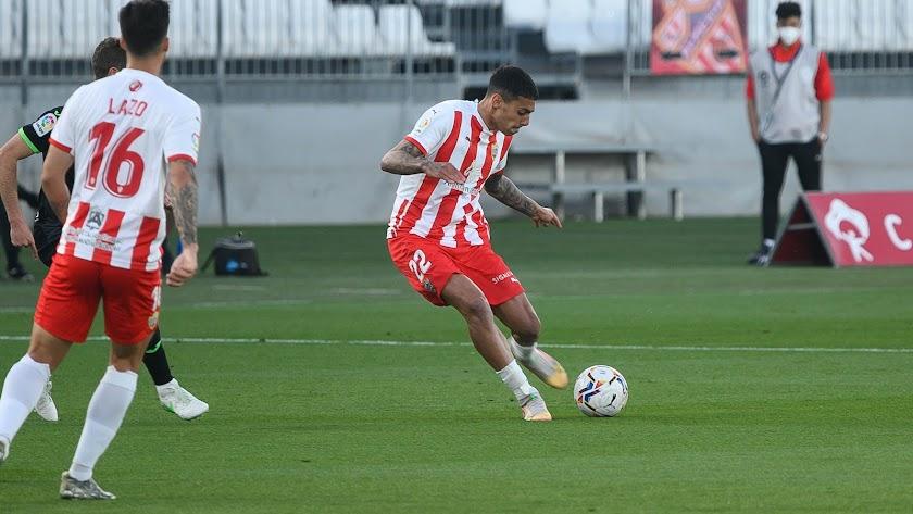 Samú Costa es un centrocampista de raza.