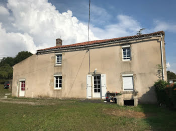 maison à Saint-Paul-en-Gâtine (79)