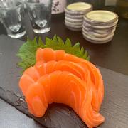 501 Sake Sashimi (Salmon)