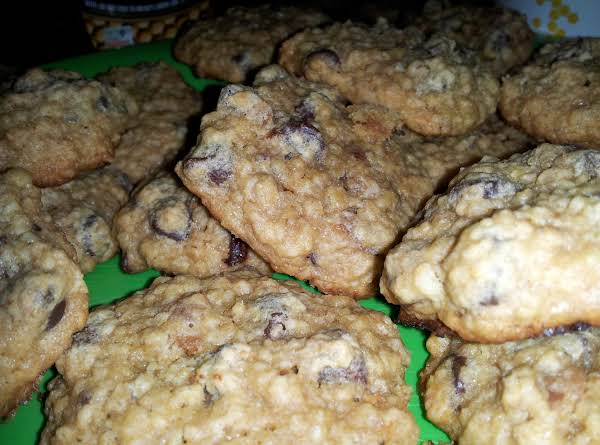 Yummy Baked Oatmeal Chocolate Chip Cookies!