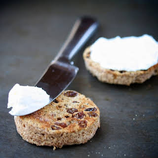 [No-Sugar-Added] Microwave Cinnamon-Raisin English Muffin.
