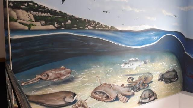 Otro detalle de la pintura con algunas de las especies de captura de las costas almerienses