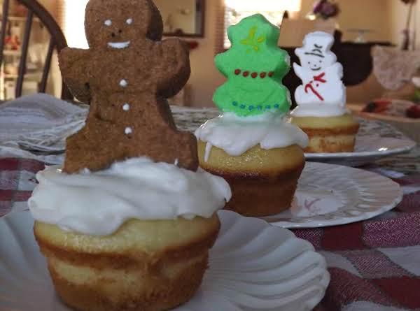 Peeps Christmas Cupcakes