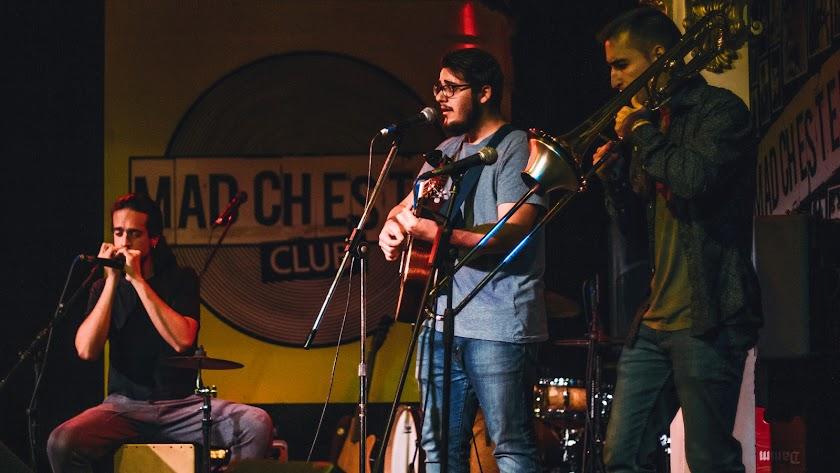Víctor Guirado estará acompañado por su banda en la presentación del EP.