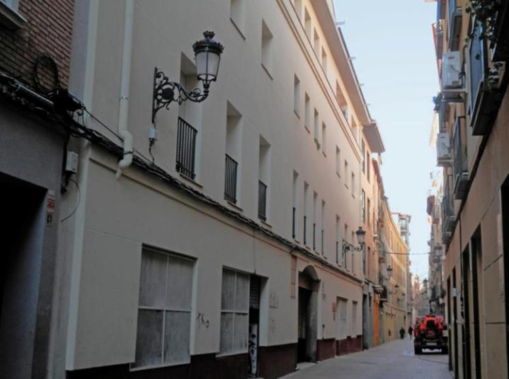 http://www.premiosdearquitectura.es/es/media/obras/images/big/4737-rehabilitacion-energetica-de-vivienda-social-life-new4old-en-zaragoza-20160127140711.png