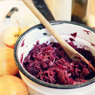 """Rotkraut"" German-Style Braised Red Cabbage with Apples & Red Wine {vegan, grain free, gluten free}"