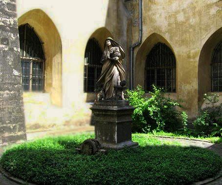 Photo: Дворик домініканського монастиря