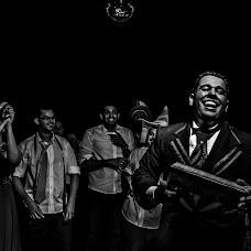 Wedding photographer Eliseu Fiuza (eliseufiuza). Photo of 18.03.2015
