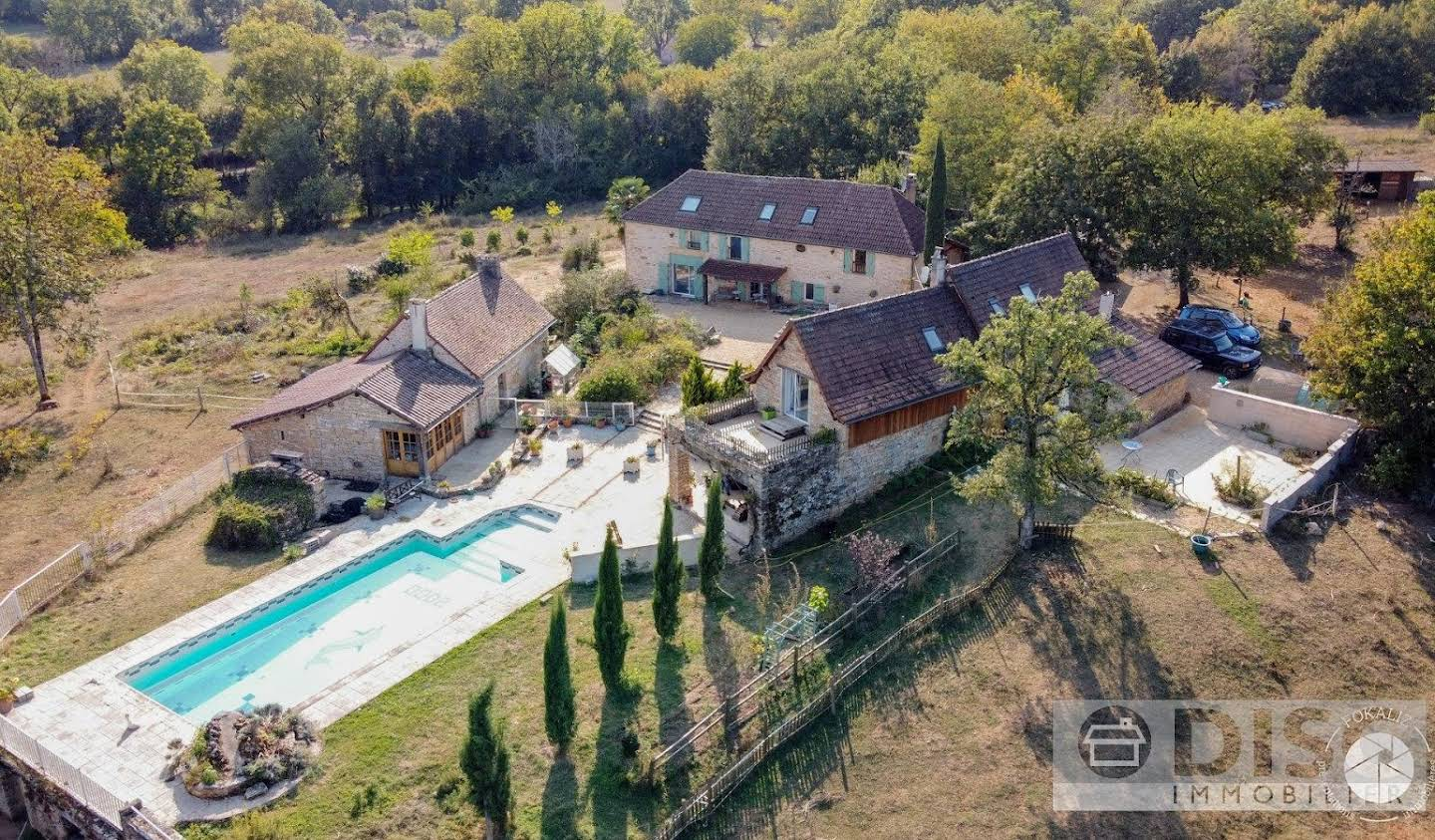 Property with pool Puylagarde