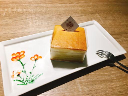 菜色豐富,又好吃 就像回到家裡用餐的感覺 餐後還有甜點畫盤,非常的用心 是一家值得再訪的小店