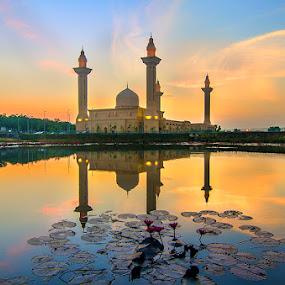 Beauty Mosque Reflection by Najmi Rooslan - Landscapes Travel ( blue hour, mosque, malaysia, selangor, sunset, uwa, d7000, sunrise, nikon, cpl, hoya, tokina, golden hour )