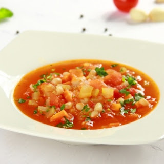 Tomatensuppe mit Bohnen