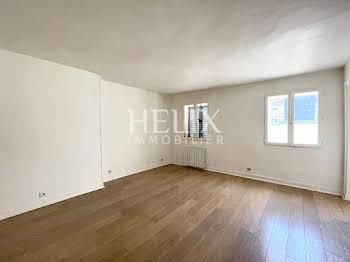 Studio 24,34 m2