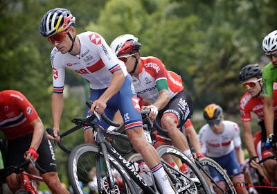 Tom Pidcock demonstreert veelzijdig talent en slaat dubbelslag in Giro voor beloften