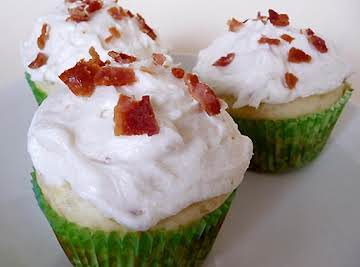 Pancake Cupcakes with Maple Bacon Buttercream Frosting