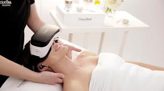 A partir de un vídeo de realidad virtual inspirado en el mindfulness, al cliente no solo se le realiza un tratamiento específico para lucir una piel