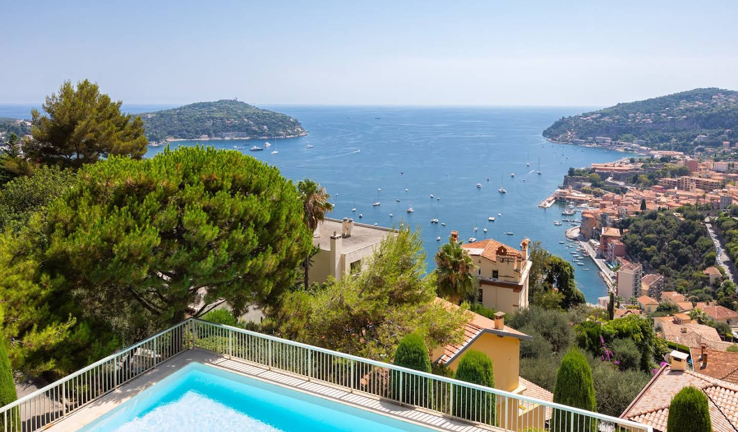 Apartment with terrace and pool Villefranche-sur-Mer