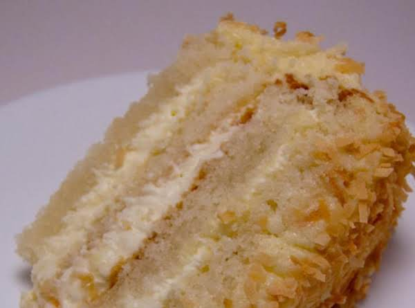 Coconut Toasted Cake With Coconut Buttercream Filling