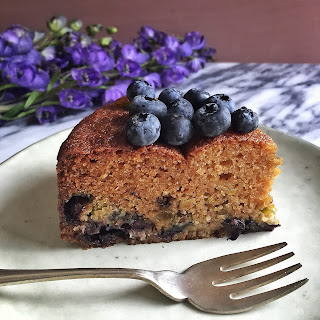 Blueberry & Greek Yogurt Breakfast Cake