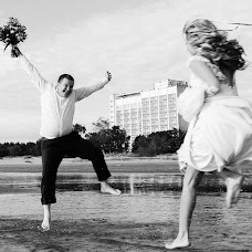 Wedding photographer Dmitriy Romanenko (Kickjump). Photo of 01.10.2016