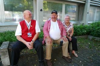 Photo: Paul Hofer und die beiden Gönner Sigi und Susi Stampfli