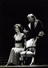 "Photo: Marion AMMANN als ""TOSCA"" (Theater Biel 2001). Foto: Theater Biel"