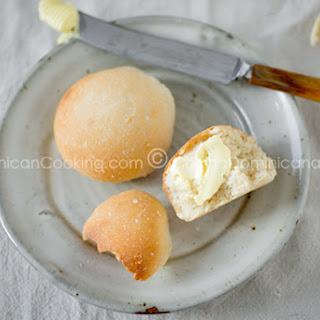 Pan de Agua Recipe (Dominican Breakfast Bread Rolls)