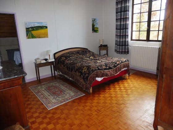 Vente propriété 7 pièces 275 m2