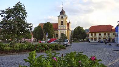 Photo: Hier der Marktplatz in Tyn. Das kleine Städtchen an der Moldau ist recht beschaulich.