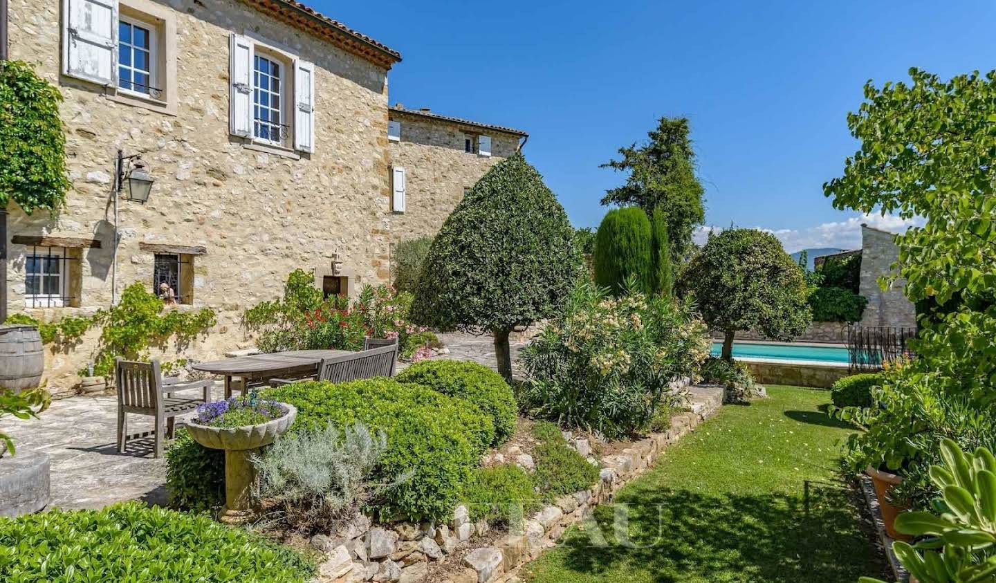 Property with pool and garden Forcalquier