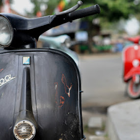 old vespa by Makboel Zila Saputro - Transportation Motorcycles