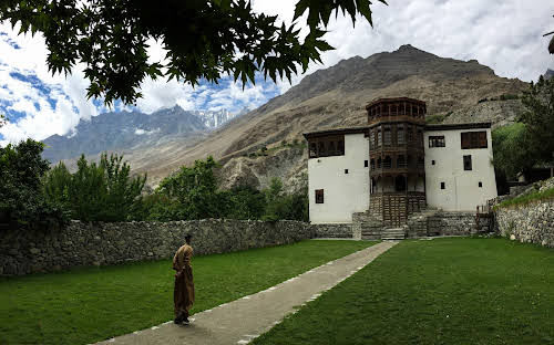 Travel Guide to the Hushe Valley // Khaplu Palace