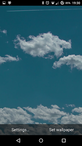 Moving Clouds Live Wallpaper