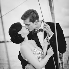 Wedding photographer Elena Zayceva (Zaychikovna). Photo of 04.11.2013