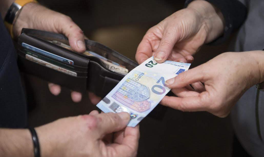 Confindustria propone tassa sul contante