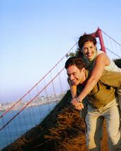 Photo: Giving Woman Piggyback Ride San Francisco, USA