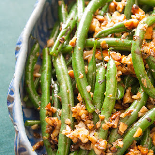 Green Beans With Walnuts And Balsamic.