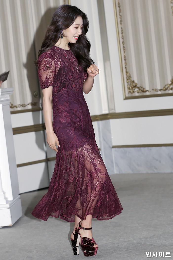 shinhye gown 40