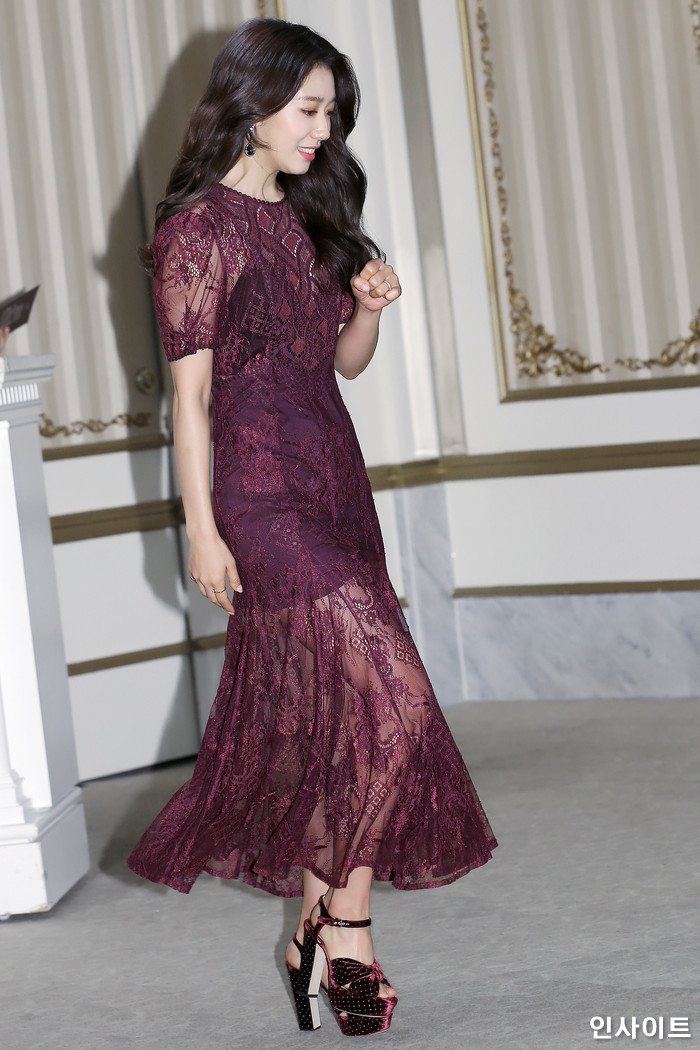 shinhye gown 40