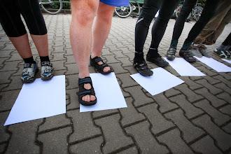 Photo: Sandały kontra SPD.