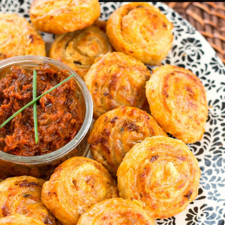 Sundried Tomato Fontina Puff Pinwheels Recipe | Yummly