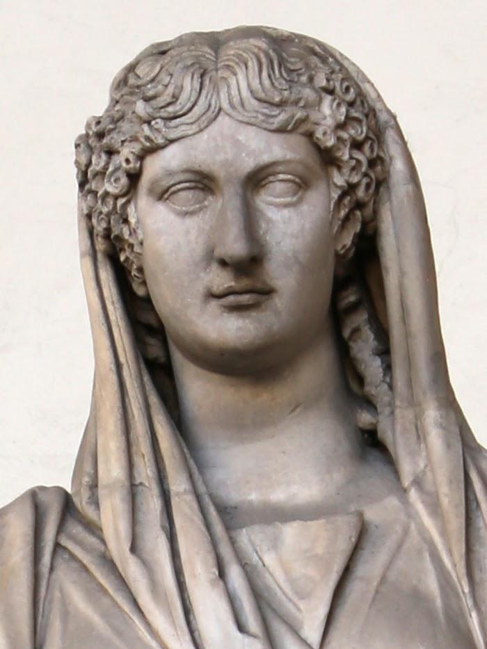 Agrippina Minor (detail), Romens beeld in de Loggia dei Lanzi, Piazza della Signoria