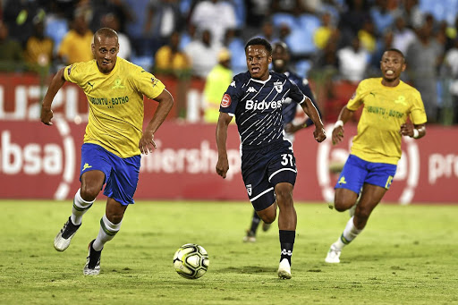 Wayne Arendse of Mamelodi Sundowns and Rowan Human of Bidvest Wits in action.