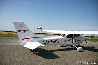 Photo: LN-NRO og vindpølsa på Randers Flyveplads.