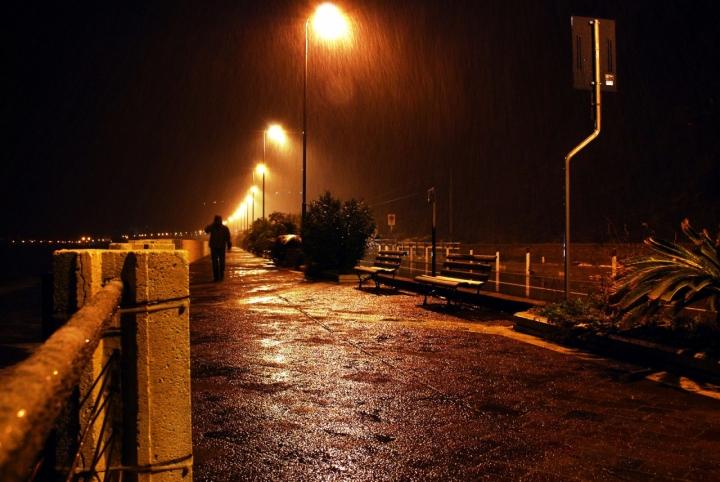 Ombra nella pioggia..... di Zerosedici